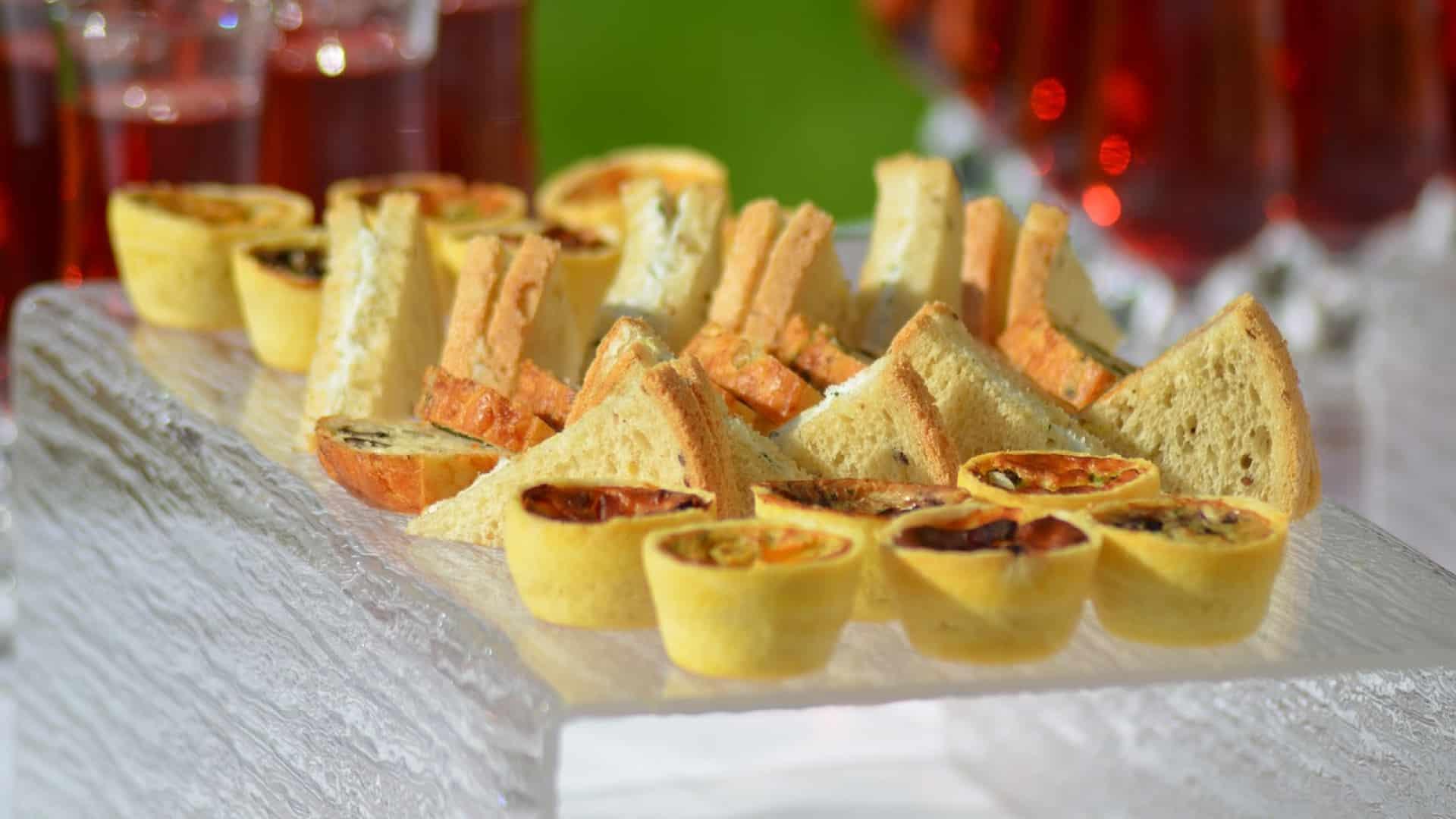 Comment faire voyager ses invités pour un apéro dînatoire ?